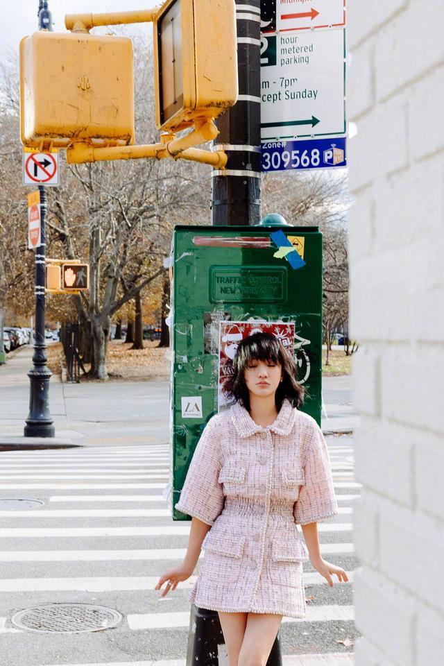 周迅纽约街拍大片风格百变,短发的周公子优雅灵动还很有御姐范!