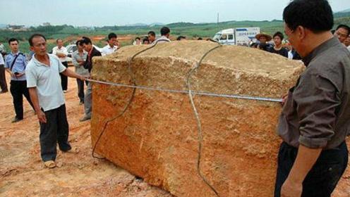 施工队挖出红色巨棺,专家测量重达8吨,专家打开后吓得拔腿就跑