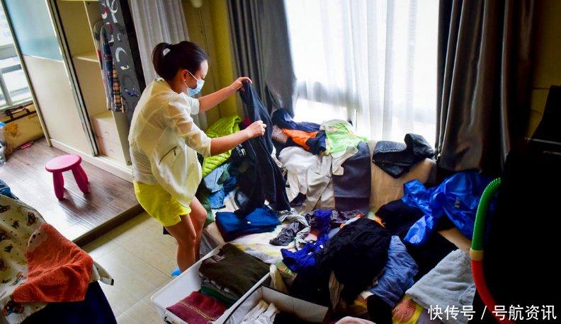东方女人网|90后美女靠双手整整衣柜叠叠衣服,就能生活还要开连锁店