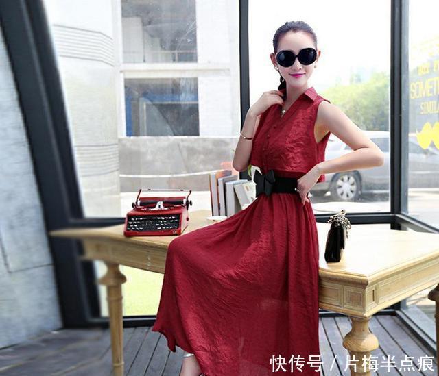 在夏天,30+女人就应该多穿棉麻连衣裙,让您穿出不一样的美