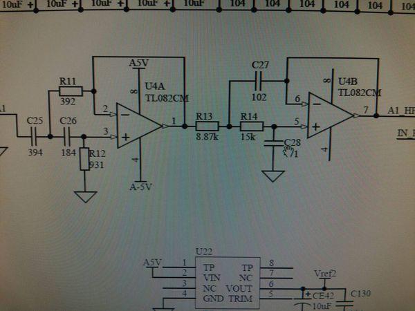 前级是低噪放,调制信号输入,后级是程控增益  这个运放电路里的r11,c2