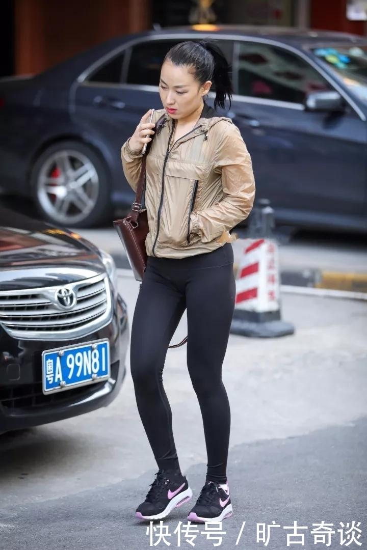 完美外国丰满翘臀丝袜身材裤性感美女,一般的广场舞视频紧身性感下载迅雷图片
