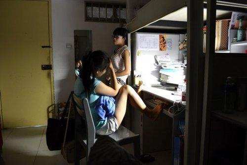 《女大学生宿舍》