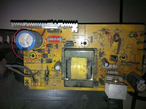 电动车充电器烧坏了,看看电路板哪里出问题了?