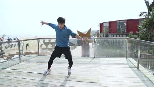 《重返20岁》花絮:空中转体360!韩东君改行变跑酷boy