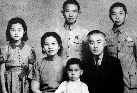 旧中国情报总头子:沦落到了卖鸡蛋的地步 - ylxtjjldj 的博客