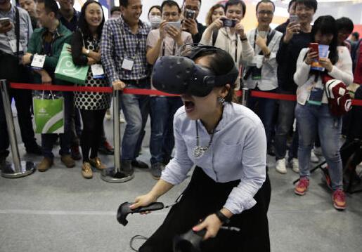 随着第三届世界互联网大会开幕 集中盘点2016年VR大事件