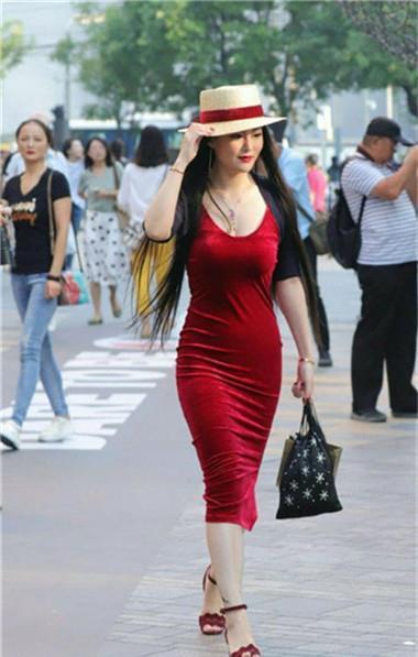 路人街拍,迷人性感的美女,洋溢着高贵气质