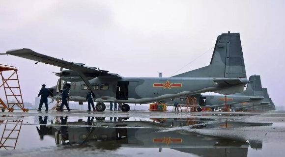 空军机务:维护战鹰的帅气存在