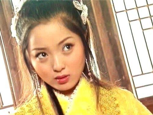 <b>扮演太师千金的古装女子,董玉凤清雅、杜月红高贵、庞飞燕有朝气</b>