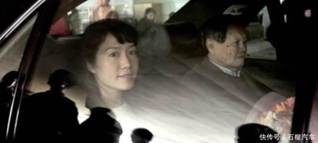 96岁的杨振宁,送妻子翁帆一辆奥迪A6,这辆车可以换两至三套房!