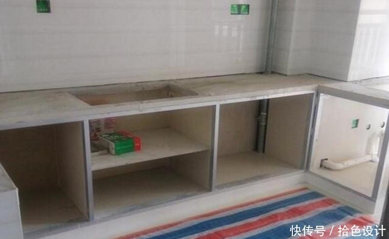 花1200块一米定制橱柜,安装时却出现两种材料,业主气坏了-家居窝
