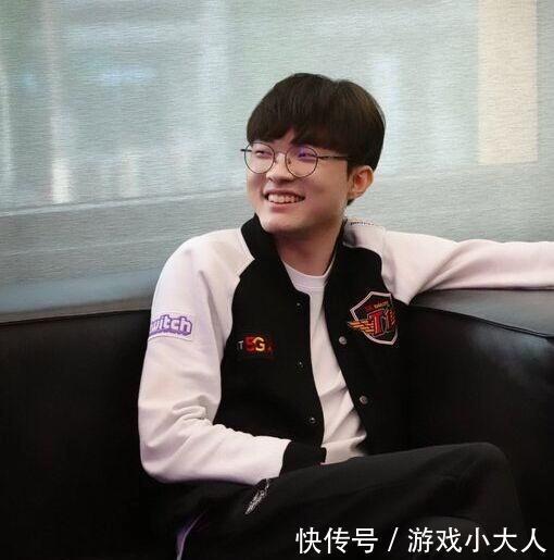 LOL解说Cat调侃Faker为飞皇,网友:你是对李哥有成见?