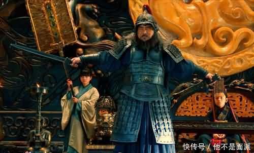 曹丕不肯当皇帝,汉献帝哭着喊着求了三次,曹丕才接受禅让称帝