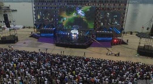 斗鱼嘉年华带来直播行业新经济 游客超30万线下乐园成新方向